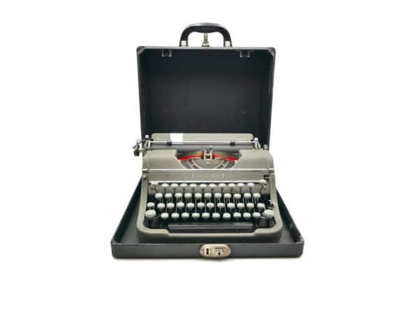 Underwood Champion verte USA révisée ruban neuf 1948