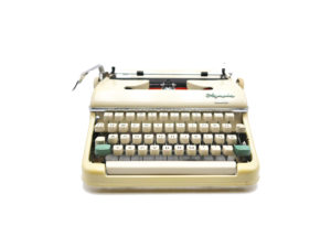Machine à écrire Olympia Monica révisée ruban neuf