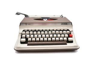 Machine à écrire Royal 203 Cappuccino & Crème révisée ruban neuf