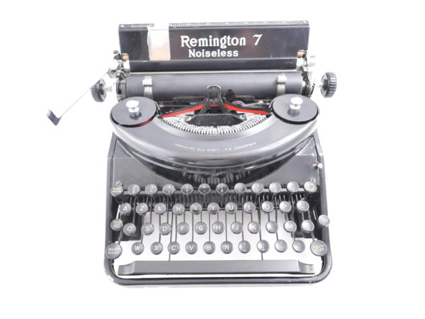 Remington Noiseless 7 portable noire made in USA révisée ruban neuf