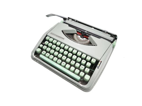 Machine à écrire Hermes Baby Verte Tilleul révisée ruban neuf 1964